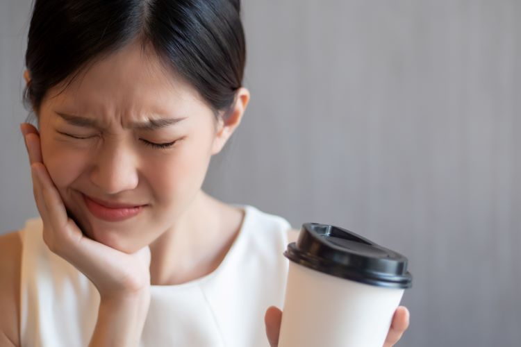 How Does Drinking Coffee Affect Your Teeth
